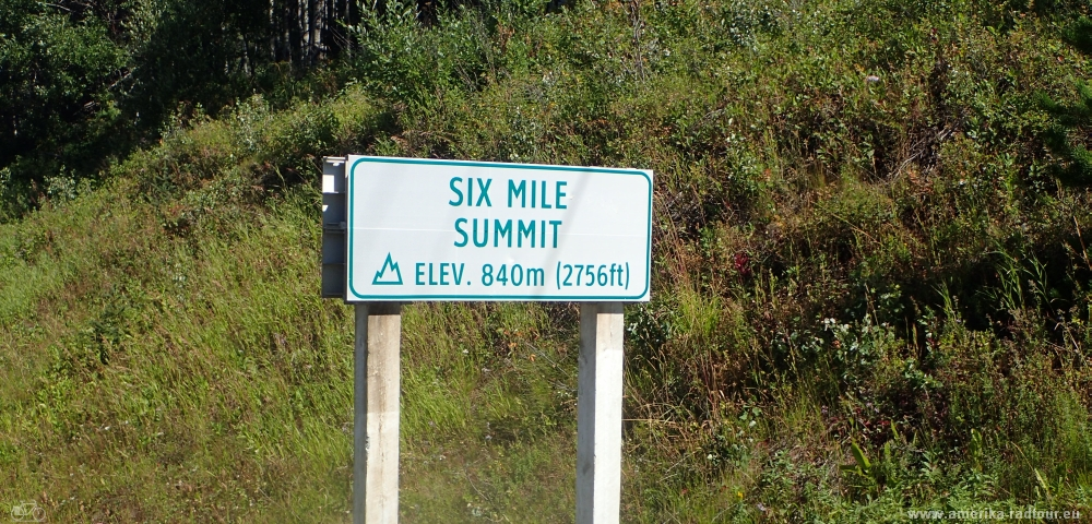 Six Mile Summit, Yellowhead Highway
