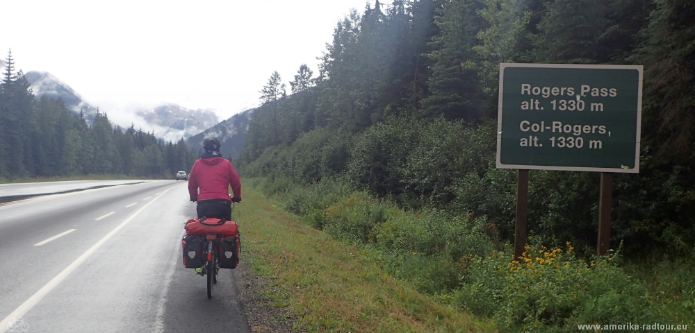 Cycling from Rogers to Revelstoke. Trans Canada Highway by bicycle.