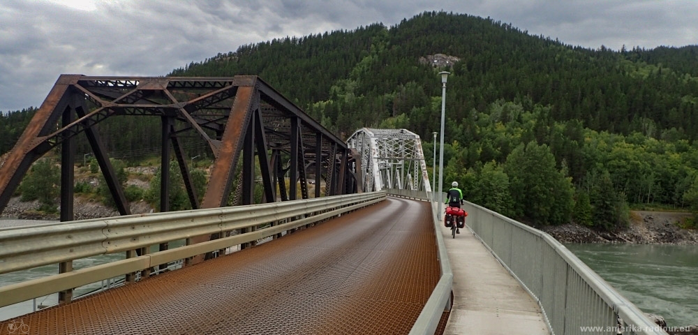 Mit dem Fahrrad von Smithers nach Whitehorse. Radtour über den Yellowhead Highway und Cassiar Highway. Etappe Smithers - New Hazelton. Old Skeena Bridge.