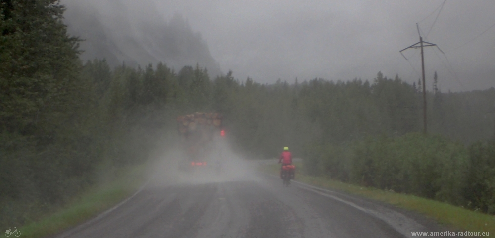 British Columbia and Yukon by bicycle: Cycling the Cassiar Highway from Jigsaw Lake to Meziadin Junction an Stewart.